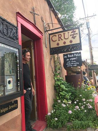 Cruz Gallery