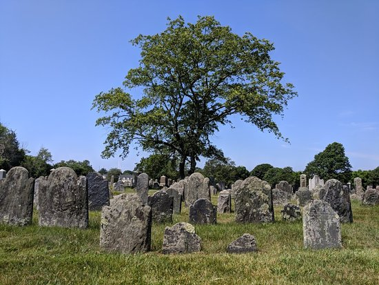 Common Burying Ground and Island Cemetery
