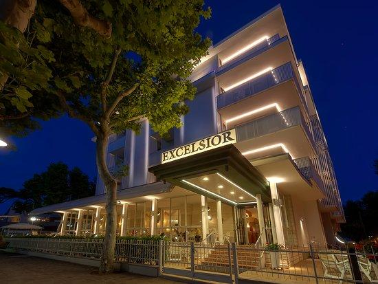 Hotel Excelsior: facciata principale