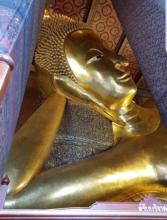 Храм Рассвета (Ват Арун): Reclining Buddha