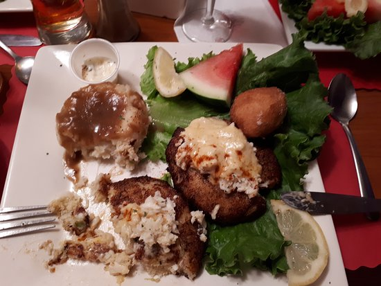 Yesterday's Family Restaurant: Crab cakes