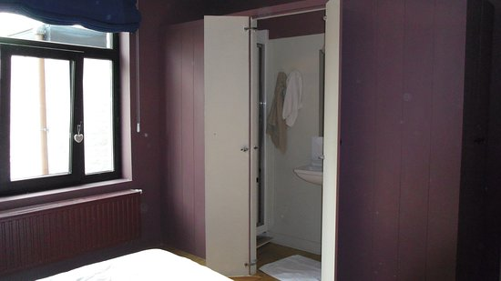 Menin Gate House: 2nd Bedroom 2
