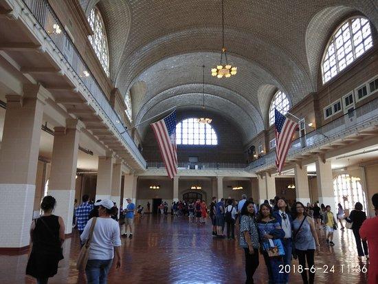Ellis Island: La storia degli immigrati in America