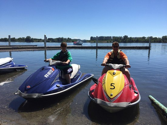Richland, WA: Pacific Shorz Powersports Jet ski rental
