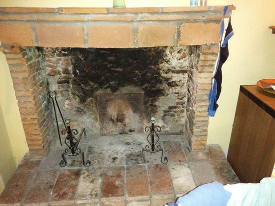 Borgo Giusto: Kamin nicht funktionstüchtig