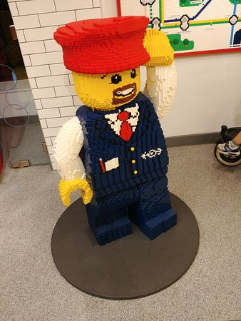 Lego Shop: contrôleur de métro londonien en légo