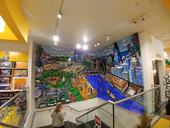 Lego Shop: magnifique fresque de légo représentant les lieux important de Londres