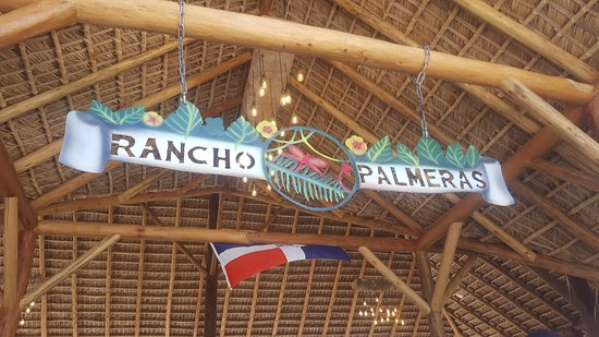 Rancho Palmeras: The entrance