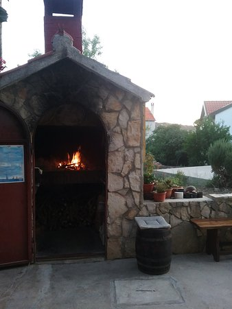 Kaprije, Croacia: wood fire