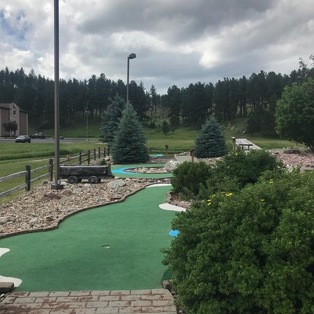 Grizzly Gulch Adventure Golf