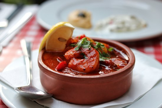 Lokma Turkish Grill & Bar: Prawns in spicy tomato sauce