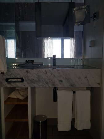 Pullman Eindhoven Cocagne: Bathroom view