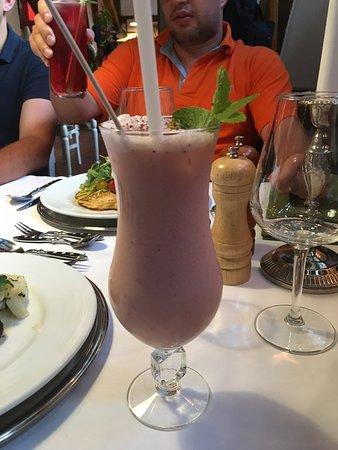 Teterow, Jerman: Erdbeer Colada
