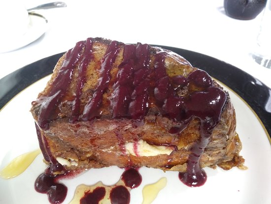 Beach Spa Bed and Breakfast: Stuffed Cream Cheese French Toast made with Challah Bread and Berry drizzle