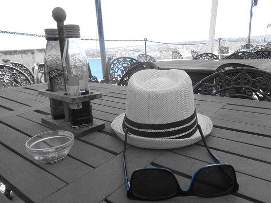 Cafe Deux Baronnes: Endlich Schatten :-)