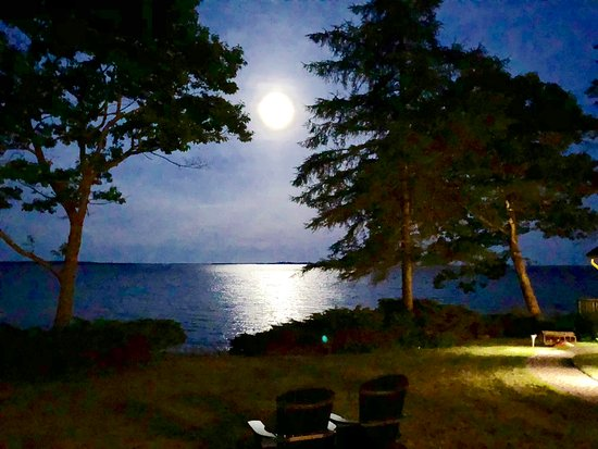 Inn at Sunrise Point: Moonrise over Penobscot Bay at the Inn