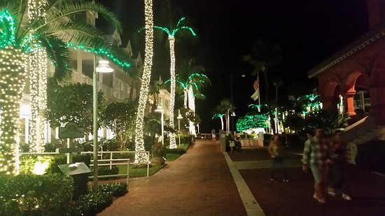 The most beautiful Christmas decorations on the island just outside ...