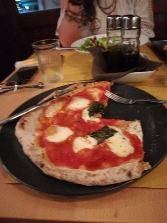Esperia Pizzeria: Di farina di tumminia