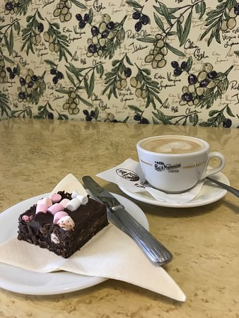 The Cafe Royale: Rocky Road and Cappuccino