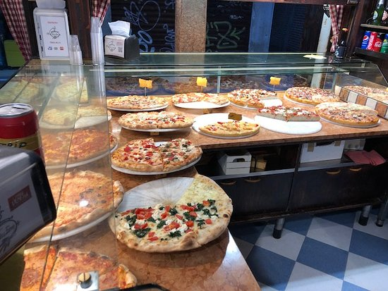 Antico Forno: Large Selection of Pizzas