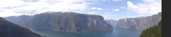 Stegastein Lookout: panorama over het fjord