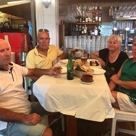 Chiringuito Marina Playa: Q bien se come chiringuito marina 🏖 champiñón