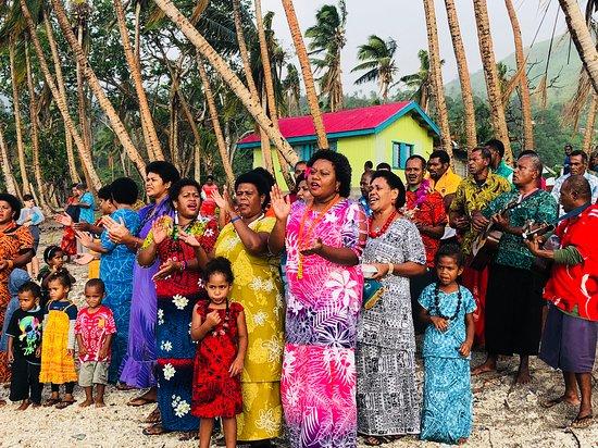 Oneta Resort: Visiting Talulija Village (welcome ceremony)