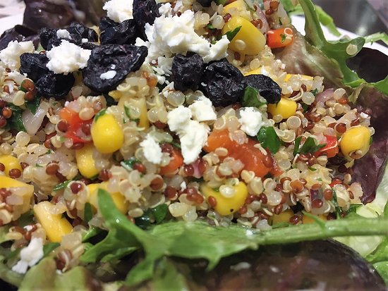 Stanley's Bar and Grill: Quinoa & Artisan Greens Salad - blueberries, feta cheese