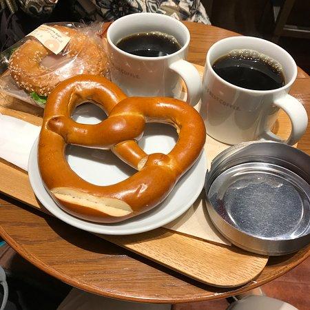 Seattle's Best Coffee JR Hakata: 我が家が購入した朝食(1290円)