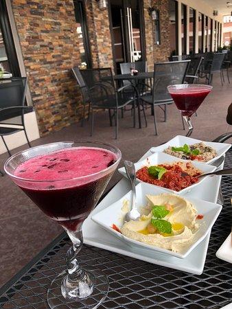 Mezza Grille: Hibiscus Martini and Appetizer