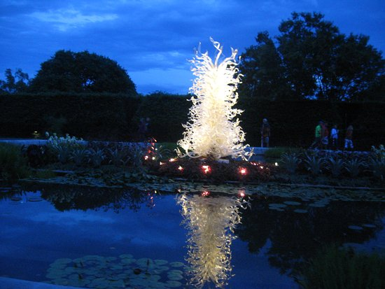 Biltmore Gardens: Chihuly at Night
