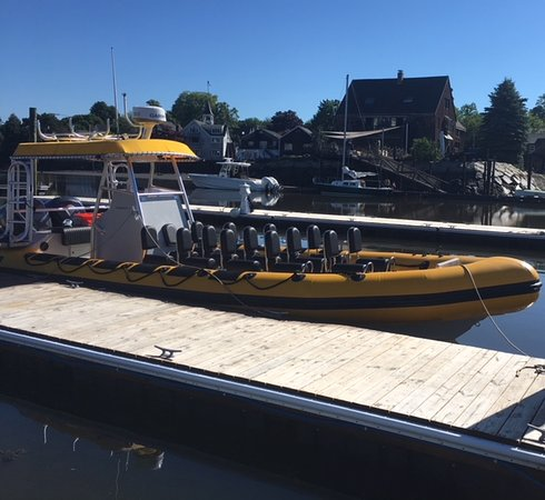 Kennebunk, ME: 30' High-Performance RIB Boat