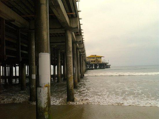 Santa Monica Pier: low tide