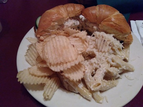 Fine Friends Cafe: Chicken salad croissant. Delicious.