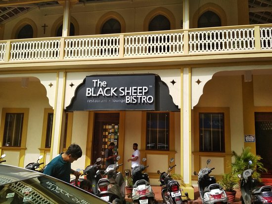 The Black Sheep Bistro: Outside the restaurant