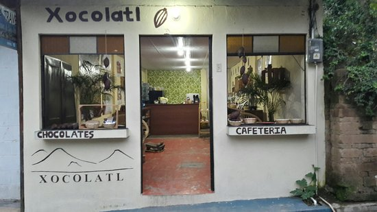 San Marcos La Laguna, Guatemala: Xocolatl factory and shop