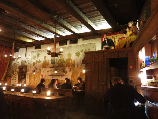 Olde Hansa: Dining Hall and Musicians