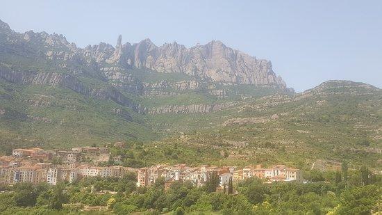 Монастырь Монсеррат: the valley