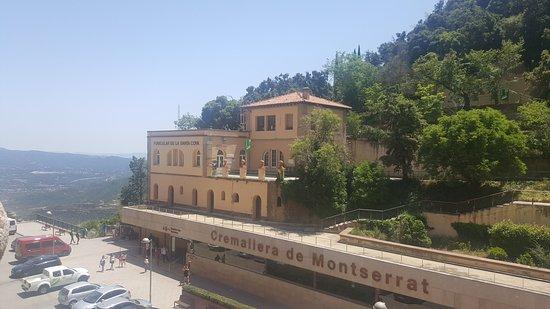 Монастырь Монсеррат: Train station