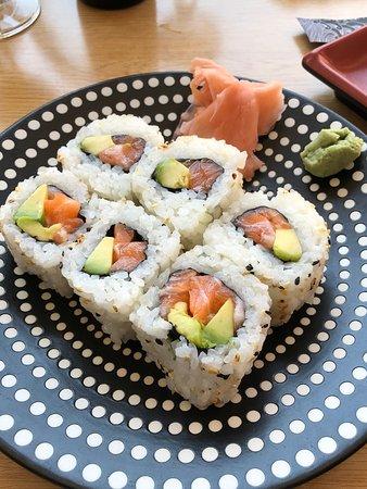 Sushi Yin: Maki California saumon / avocat.