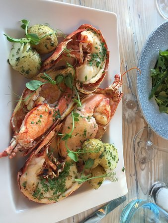 The Lugger Hotel: Large lobster dinner needs special order