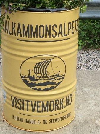 Norwegian Industrial Workers Museum: Reklamtunna