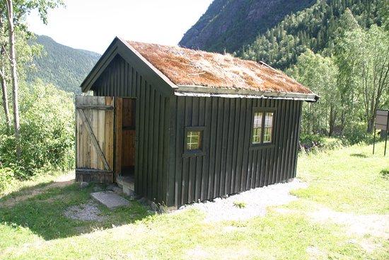 Norwegian Industrial Workers Museum: Sambandshytta som användes på Hardangervidda