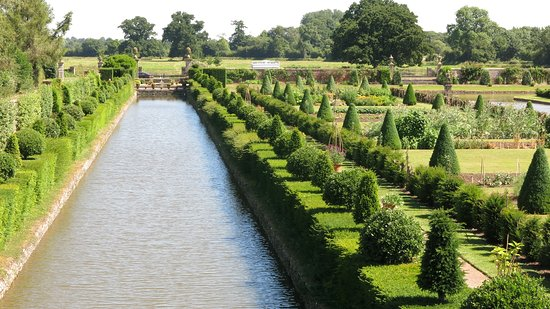 Westbury Court Gardens: One of the canals...