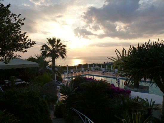 Paradiso Terme Resort & Spa: Auf dem Weg zum Abendessen
