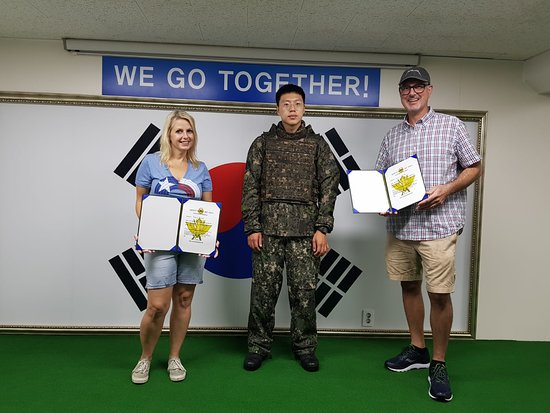 2.Private DMZ Tour: North Korean Spy Commando Invasion Route: Getting presented with a briefing certificate.