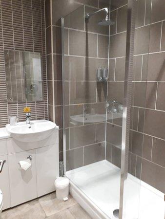 Bowes Incline Hotel: Hidden gem