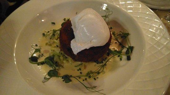 Crab & Lobster Restaurant: Fishcake appetizer