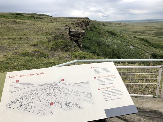 Head-Smashed-In Buffalo Jump World Heritage Site: The cliffs.