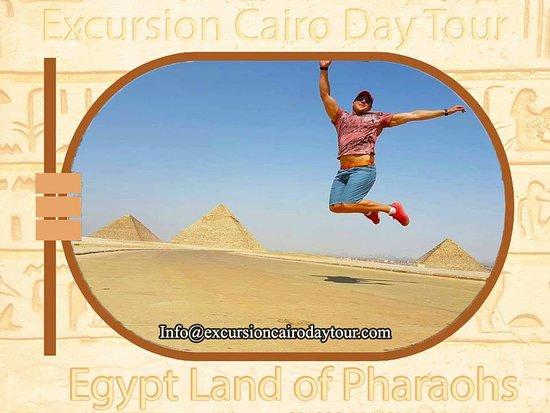 Excursion Cairo Day Tour: jumb up high at giza pyramids